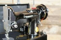 Antique Vintage Singer Featherweight Model 221-1 Sewing Machine — MINT CONDITION