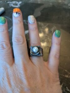 Silpada Sterling Silver Hammered Freshwater Pearl Modernist Ring Sz 7.5 QQ4