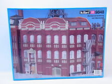 HO Scale Buildings - Government Building with Workshop