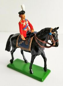 BRITAINS 41075 BRITISH HM QUEEN ELIZABETH II MOUNTED ON HORSE METAL FIGURE