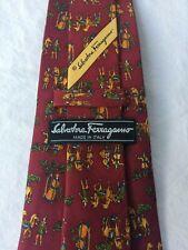 SALVATORE FERRAGAMO Krawatte Tie Cravate Seide. Dunkel-Rot mit Motiv. NEUWERTIG