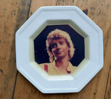 More details for barry manilow souvenir plate 6 inches -