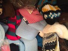 lot revendeur-palette completes 300 articles hivers bonnets gants echarpes