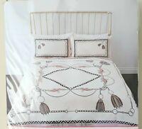 River Island Belt Printed Single Size Cream Duvet Bed Set
