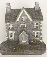 Lilliput Lane Lakeside House England Collection UK Miniature Home Decor Signed