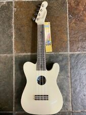 Mahalo 2027E soprano ukulele with pickup & case