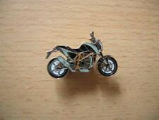 Pin badge KTM 690 Duke modèle 2012 Noir/Black Moto Art. 1188
