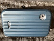 Rimowa Lufthansa ice blau First Class Amenity Kit Kulturtasche Koffer case
