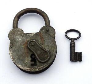 Ancien Cadenas UNIS F.T.H. FRANCE. Etat de marche. Avec 1 clef