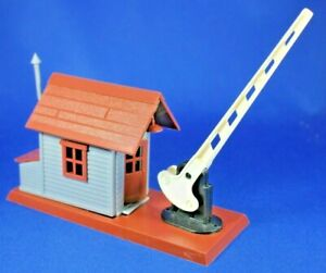 O - Plasticville - #45977 Crossing Shanty - Complete - Never Used