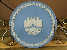 Wedgwood Blue Jasper Annual Christmas Plate 1976 Hampton Court * Box/Coa