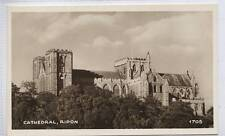 (w15b64-354) Real Photo of Ripon Cathedral, c1920 Unused, Richter