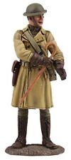 Britains WWI, 1. guerra mondiale, ufficiale degli Stati Uniti, U.S. officer in trench coat, 23104