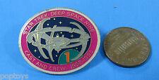 PIN enamel vtg '93 Star Trek DEEP SPACE NINE - Cast & Crew 1992-93 Space Station