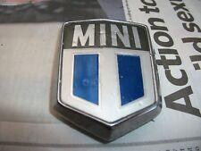 CLASSIC MINI BLUE BONNET BADGE WITH 3 PINS.