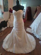Wedding Dress Sz 14 Ivory