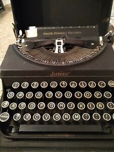 Smith Premier Portable Junior Typewriter With Case Spanish keys