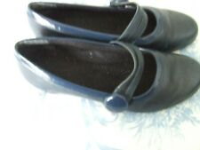 Ladies shoes Bluey/green size 4 Kay shoes, small heel