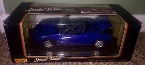 """NEW MAISTO 1:18 """"SPECIAL EDITION"""" 1995 ALFA ROMEO SPIDER #46629 WITH STAND"""