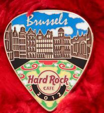 Hard Rock Cafe Pin BRUSSELS Postcard GUITAR PICK Series LE150 Facade flower rug
