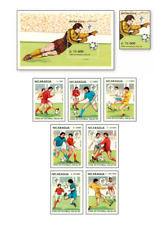 NIC90042 Football 8 stamps and block