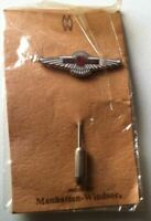 LAGONDA Abzeichen Anstecknadel - stick pin emailliert 1970er in OVP (MW)