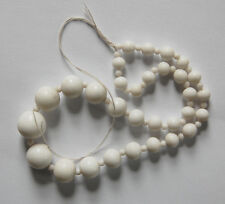 VINTAGE GRADUATED BEAD STRAND JAPAN WHITE MILK GLASS NECKLACE • 12 inches