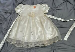 Baby Girl Party/wedding/christening/Christmas Dress. Cream. Age 6 months. Used.