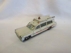 Dinky Toys die cast metal Superior Criterion Ambulance #263 Very Good