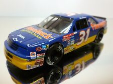 QUARTZO CHEVROLET LUMINA - BLUE+YELLOW 1:43 - EXCELLENT CONDITION - 7