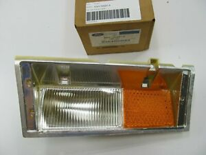 NOS Front Right Passengers Side Marker Light Lamp OEM Ford E0VY-15A201-A