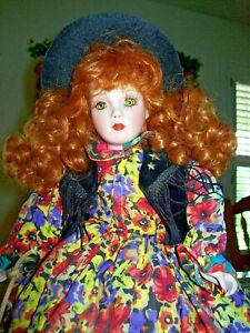 """PARADISE GALLERIES / CINDY SHAFER MUSICAL DOLL """"OH SUSANNAH!"""" WITH COA"""