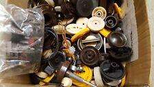 Konvolut knopfe+Tasten für alte Röhrenradios ca 3 kg