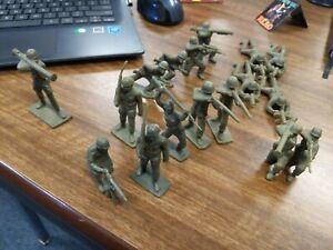 Vintage Tim Mee 70mm Soldiers Lot of 17 Green