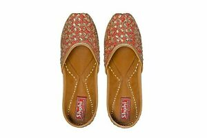 Indian Women Gold Shoe/Mojaris/Ethinic Shoes/Punjabi Shoe/Christmas Gift Shoe