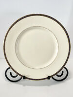 """Minton St James Bone China Dinner Plate Made In England Minton Limited 10.5"""" Dia"""