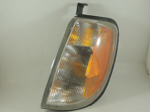Nissan Xterra Driver Left Corner Marker Light Lamp 00 - 01 #2632