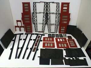 OO/HO ROUNDHOUSE 3 ENGINE SHED BY FALLER / KIBRI SPARES REPAIRS LOT (L9)