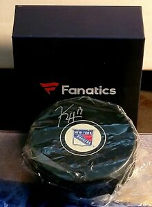 Rangers Kevin Hayes Signed Autographed Puck Fanatics COA New In Box Flyers