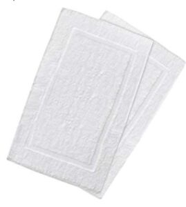 1 COTTON WHITE BATH MAT SIZE 20X30. HOTEL QUALITY BATH MAT.