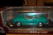 1:18 Scale DieCast YATMING ROADLEGENDS 1966 Volkswagon Karmann-Ghia green #92198