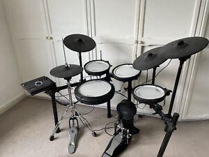 Roland TD-17KVX V-Drums Electronic Drum Kit 9 Months Old. Including Kick Pedal.