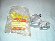 Suzuki Oil Pump Cover GT250 T500 NOS