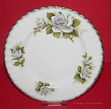 "GOLDEN CROWN * Rose Queen Series * Vintage White Swan Plate * 8.25"" (21cm) *"