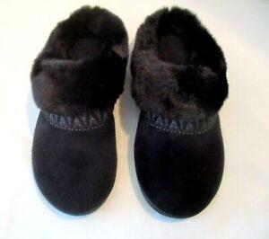 Isotoner Memory Foam Faux Fur Non-Slip Black Suede Mule Slippers, Size 6.5-7
