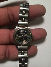 Lovely Ladies Kenneth Cole KC4101 Analog Watch With Date Feature