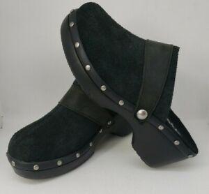 Crocs Womens Clogs Size W6 Cobbler Black Suede Silver Studs Excellent Condition