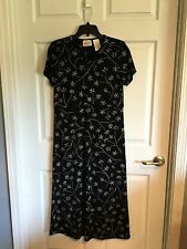 Kathy Lee, Woman's Small, (4-6) Dress, Black Background, Gray Flowers, V Neck