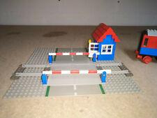 Vintage LEGO 7834 Train Level Crossing
