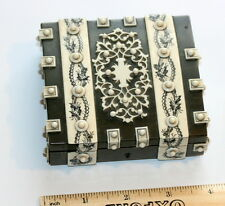 STUNNING ANGLO INDIAN VTZAGAPATAM BOX ETUI CASE WITH INLAID COUNTERS.